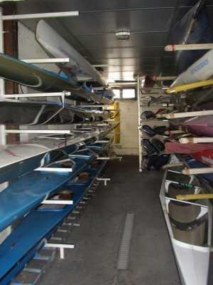 Hangar à bateaux